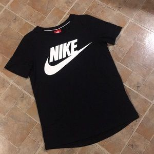 Nike short sleeve t-shirt size women's extra small